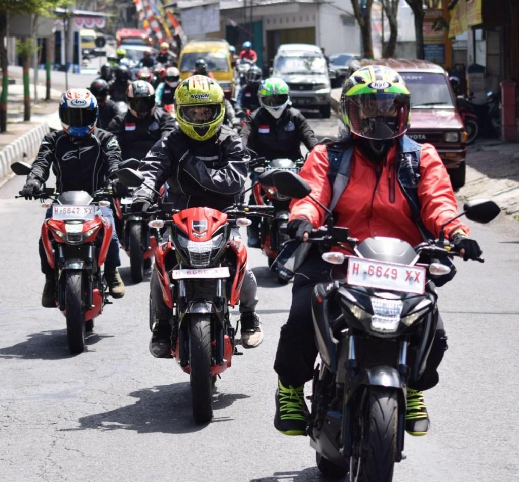 Touring Komunitas Suzuki Taklukan Negeri Diatas Awan