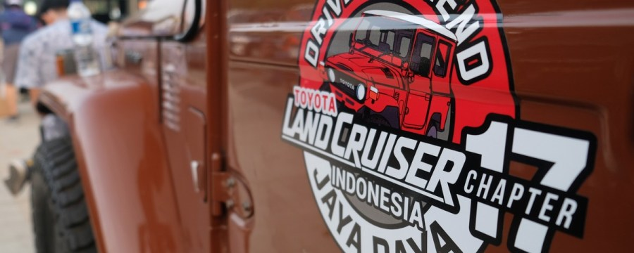 Touring Bahagia TLCI Jaya Raya Menuju Surabaya