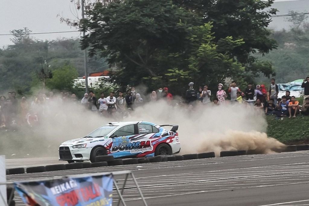 Rifat Sungkar Dinobatkan Sebagai Juara Nasional Sprint Rally 2019
