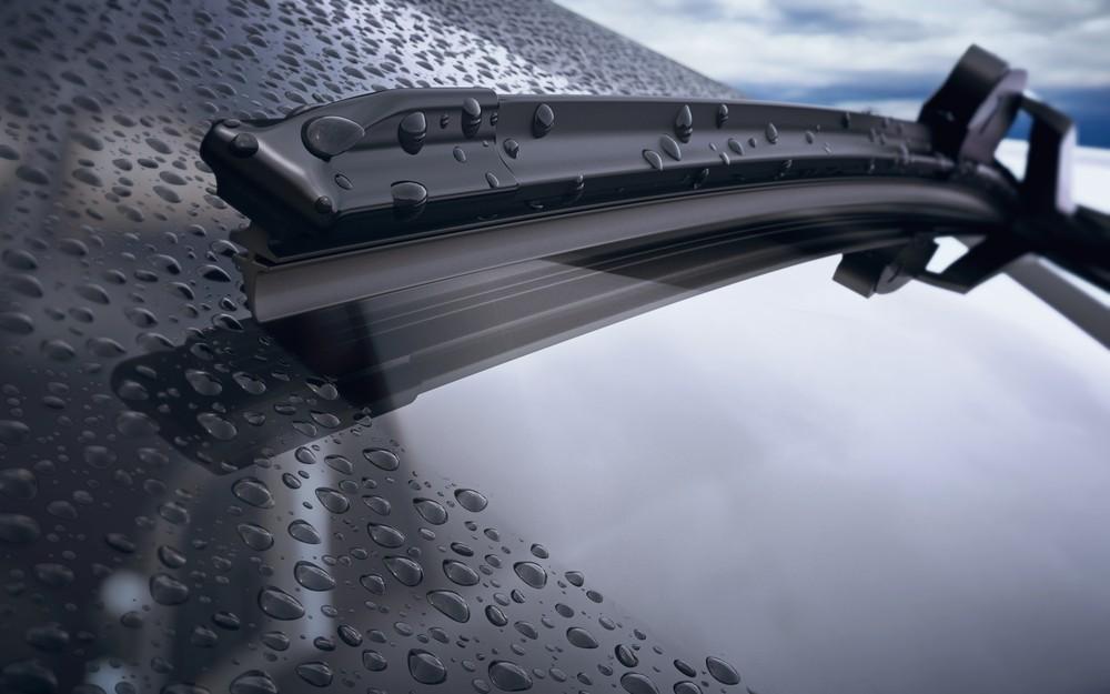 Mengemudi Saat Hujan, Cairan Ini Bikin Pandangan di Kaca Tetap Aman