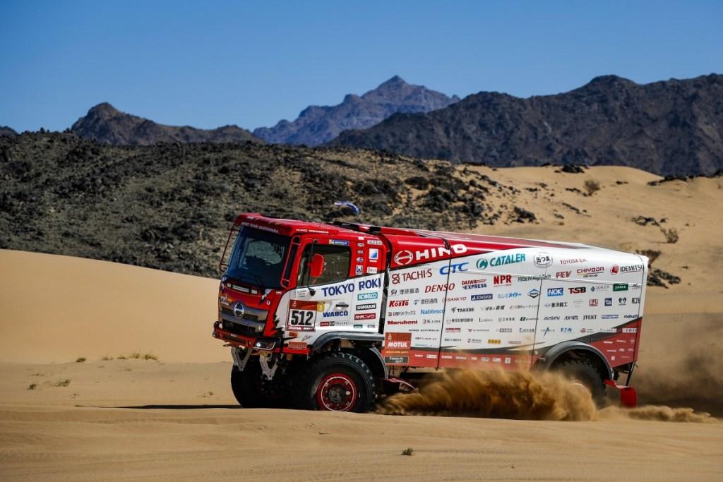 Pertahankan Gelar Juara Dakar Rally, Ini Strategi Tim Hino Sugawara