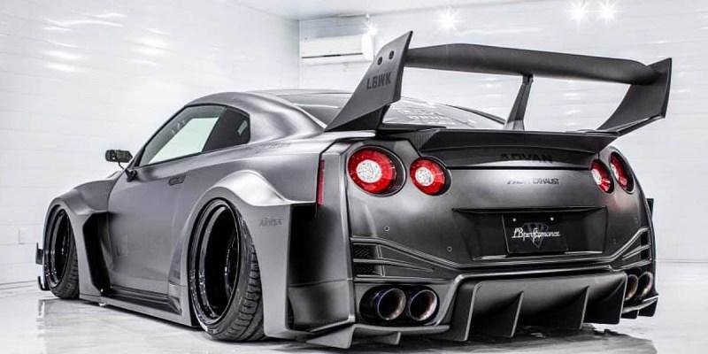 Sangar! Nissan GT-R 'Super Silhouette Skyline' dari Liberty Walk