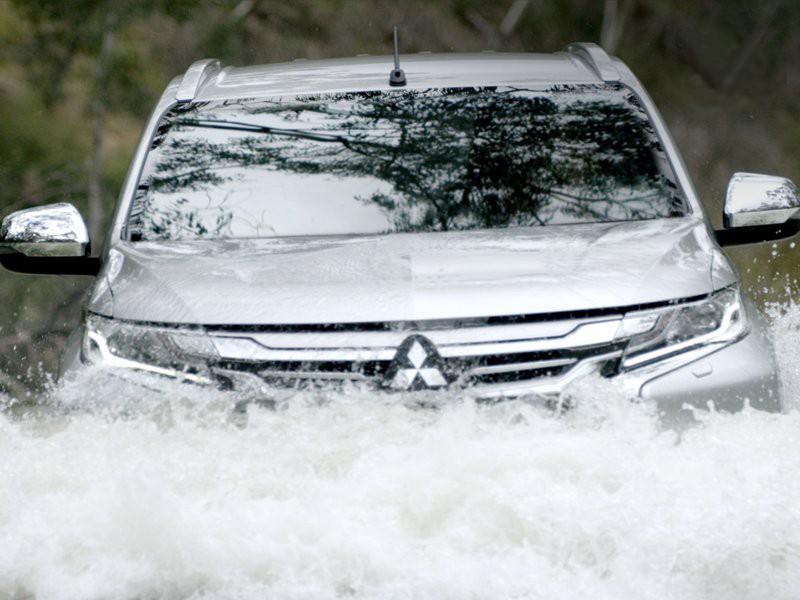 Mitsubishi Siapkan Towing Gratis untuk Konsumen Terdampak Banjir
