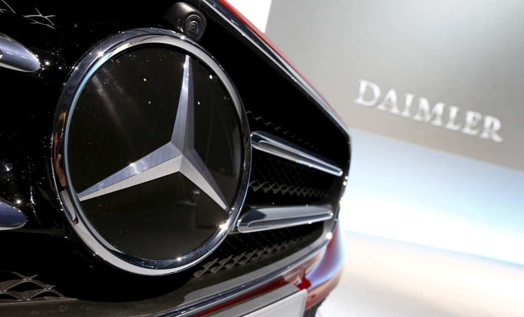 Sunroof Bermasalah, Daimler Recall 744.000 Unit Mobil Mercedes-Benz