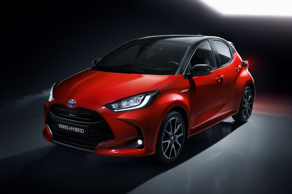 Toyota Akan Ungkap 'Small SUV' Berbasis Yaris