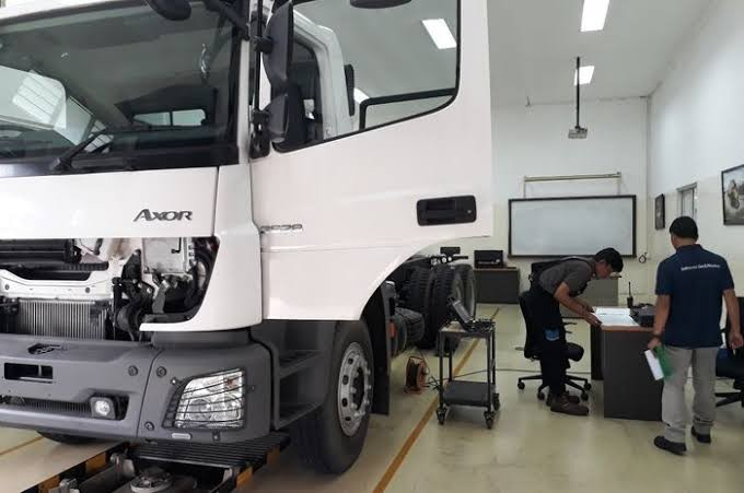 Daimler Commercial Vehicles Indonesia Gelar Kompetisi Mekanik Indonesia TechMasters 2020