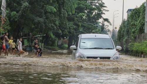 Pasca Banjir, Suzuki Tawarkan Layanan Towing Gratis