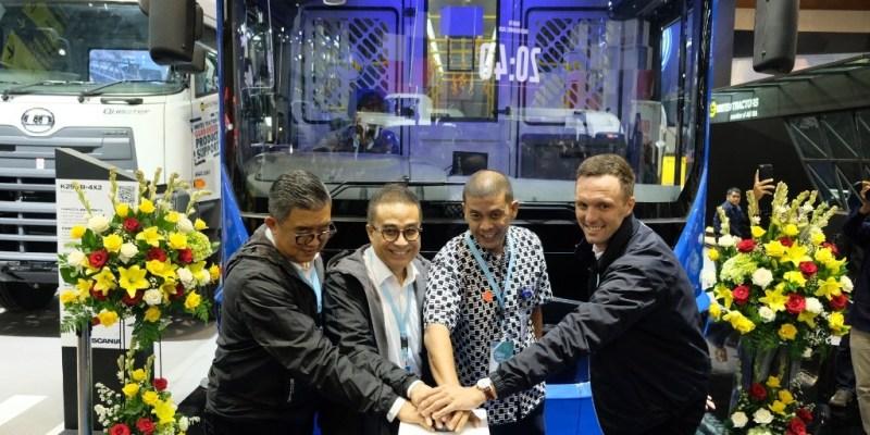 Komitmen United Tractors Maju Bersama Mitranya di Sektor Transportasi