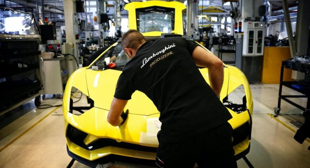Lamborghini Mulai Produksi Mobil Lagi 7 Mei 2020