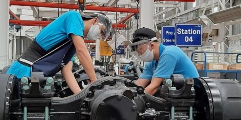 Produksi Kendaraan Niaga Mercedes-Benz Kembali Dimulai