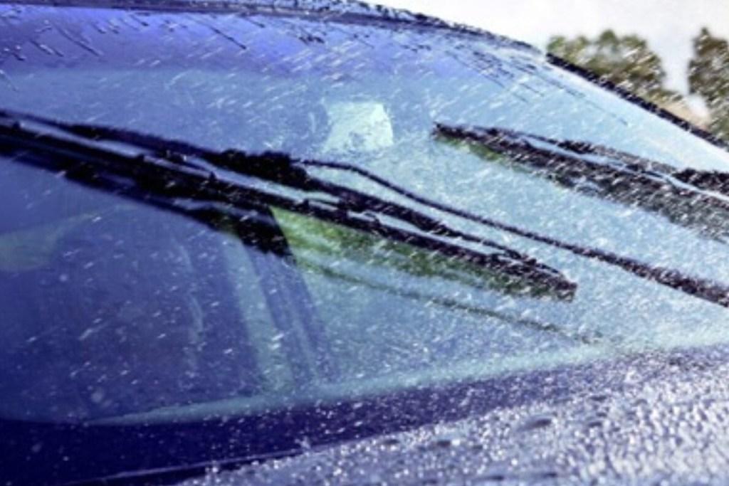 Lima Komponen Penting Mobil Saat Musim Hujan