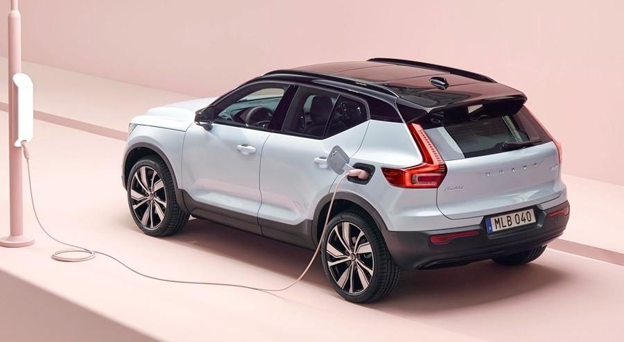 Kolaborasi Volvo dengan Waymo Kembangkan Mobil Listrik Otonom
