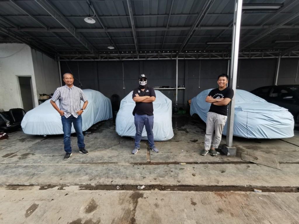 Tiga Vlogger Otomotif Siap Modifikasi Sedan Ex Taksi Di LiveModz 2020