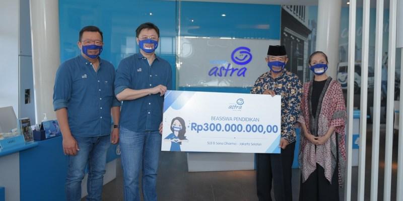 Asuransi Astra Salurkan Donasi Beasiswa Pendidikan untuk SLB B