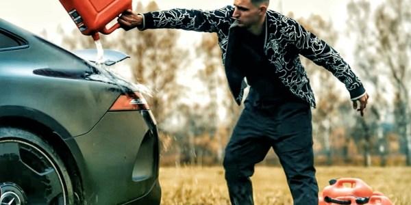 Bakar Habis Sebuah AMG GT 63S, Unjuk Aksi Protes Atau Cari Popularitas?