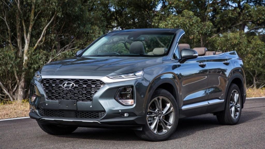 """Hyundai Santa Fe """"Convertible"""" Muncul Untuk Syuting Iklan"""