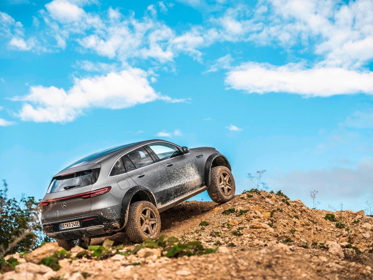 Mercedes-Benz EQC 4x4², SUV EV Penggaruk Tanah