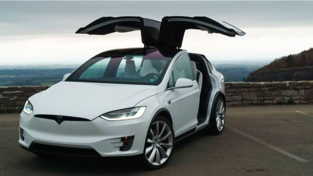 Tesla Recall Dua Varian, Salah Satunya Kegagalan Pada Sistem Atap