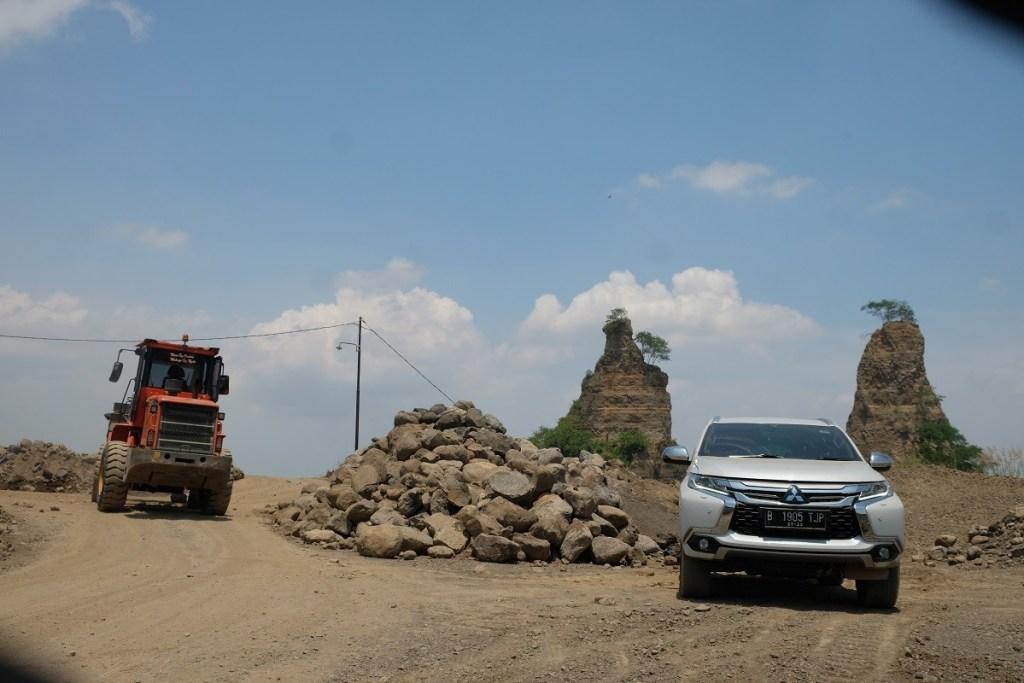 Menjelajah 'Brown Canyon' Dengan Mitsubishi Pajero Sport