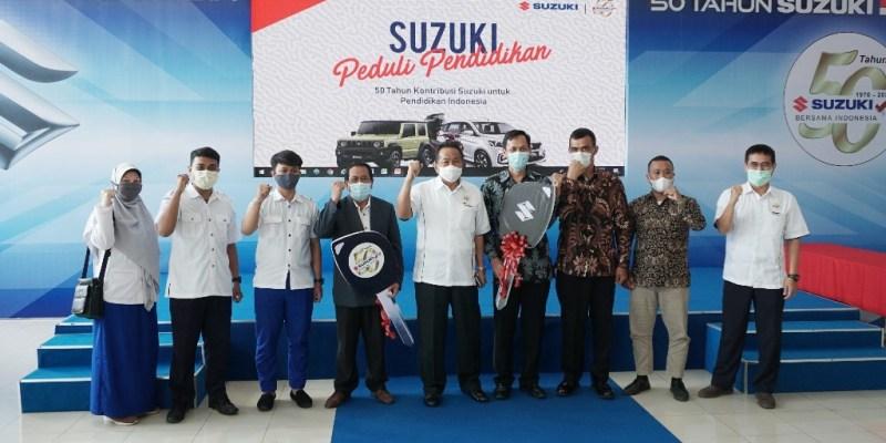 HUT ke-50, Suzuki Donasikan 5 Kendaraan ke Institusi Pendidikan