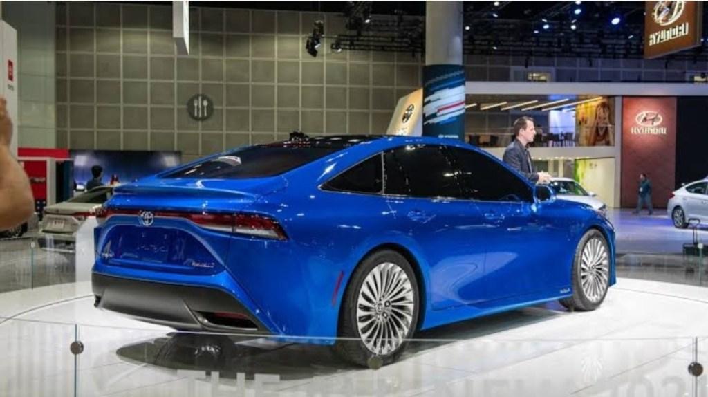 Berbahan Bakar Hidrogen Toyota Mirai Gen 2 Mulai Dijual Di Jepang Otoblitz Net Otoblitz Net