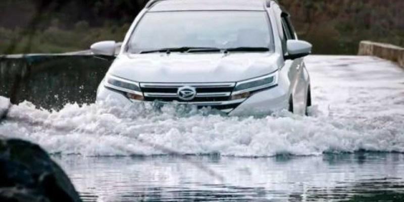 Ini 5 Tips Berkendara Matic Di Tengah Banjir Ala Daihatsu