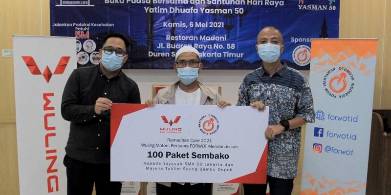 Ramadhan Care 2021, Wuling gandeng Forwot Berikan Santunan