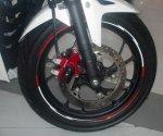 Honda All New CBR150R Aksesoris Terpasang roda depan