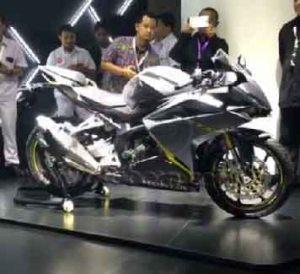 Honda CBR250RR Grey samping kanan