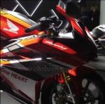 Honda CBR250RR Racing Red Depan kanan