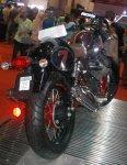 Moto Guzzi V7 II Racer Kanan belakang