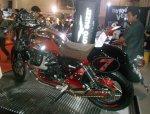 Moto Guzzi V7 II Racer Kiri belakang