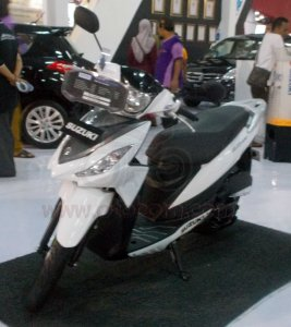 Suzuki Address Full Aksesoris Depan kiri