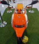 Suzuki hustler Scoot depan atas