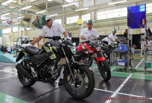Honda All New CB150R Wild Black AHM_ (3)