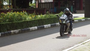 cbr250rr otoborn riding impression