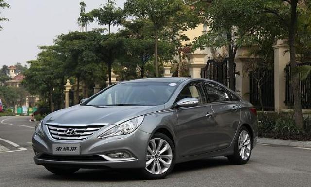Kelebihan dan Kekurangan Sedan Hyundai Sonata YF