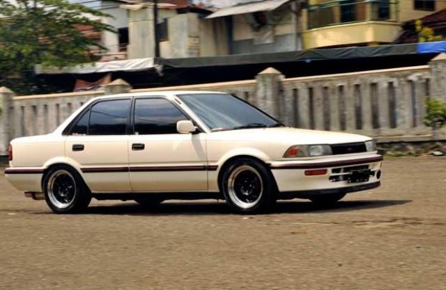Kelebihan dan Kekurangan Sedan Toyota Corolla Twincam