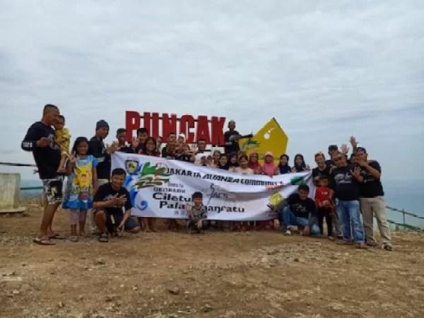 Family Gathering Djakarta Avanza Community Solid Di Geopark Ciletuh