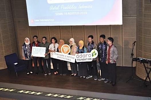 Adaro Foundation Dan Persada Capital Investama Berkolaborasi Dengan RuangGuru Berikan Beasiswa