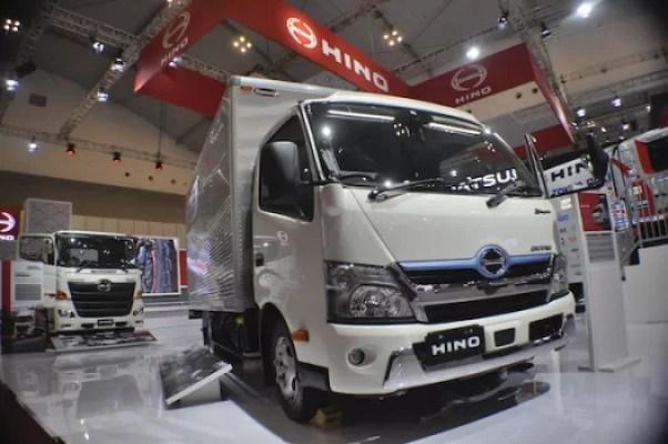 Hino Produsen Pertama Kembangkan Teknologi Hybrid