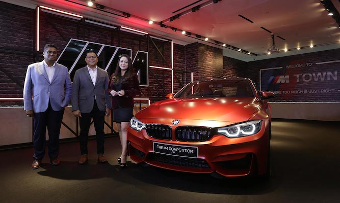 Exhibition Space BMW M di Eurokars Gallery Plaza Indonesia