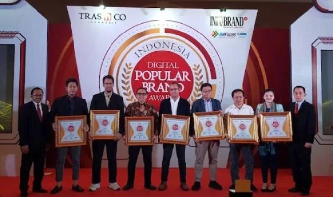 Shop&Drive Raih Indonesia Digital Popular Brand Award 2019