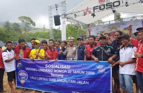 Komunitas Pecinta Truk Canter Mania Indonesia Community Gelar Jambore Nasional