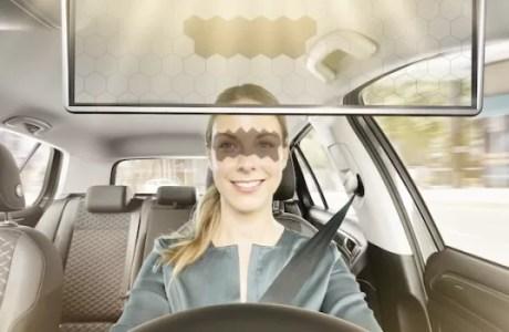 Bosch Virtual Visor Menjadi Pelindung Silau Matahari Berbasis AI
