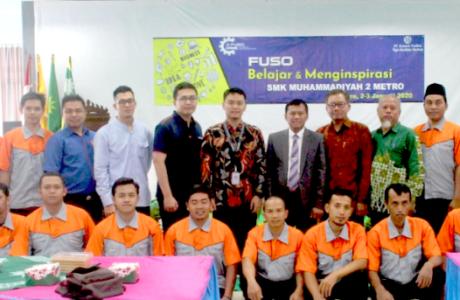 KTB FUSO Ajak SMK Muhammadiyah 2 Metro Belajar Dan Menginspirasi