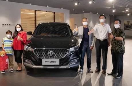 Mira Amiranti Pemilik Pertama Mobil MG ZS