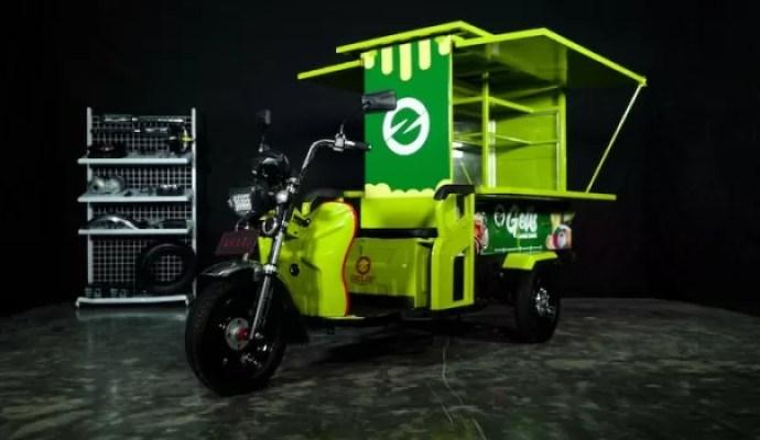 Solar Panel Indonesia Keluarkan Gelis Kendaraan Roda Tiga Bertenaga Listrik