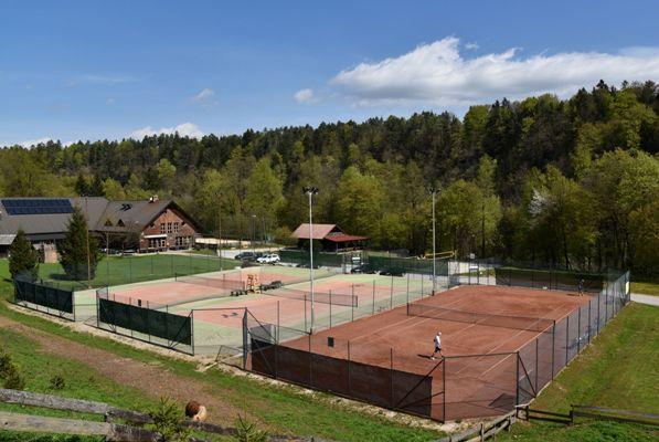 Vogu center - tenis igrišča