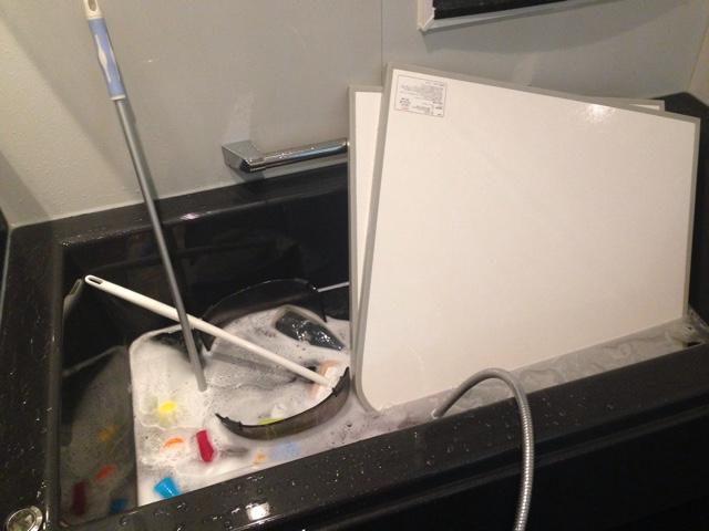 【オキシクリーン】お風呂の浴槽オキシ漬け!分量・方法・手順を詳しく解説します